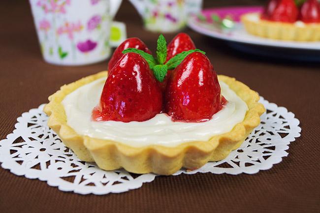 Tartaletas de galleta con fresas y queso crema